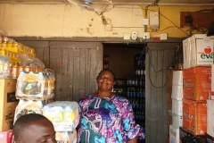 IPONRI-MRS.-BOLA-OLIWAYA-SHOWING-HOW-SHE-ENJOYS-HER-FAN-2